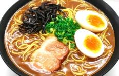 Муляж супа рамен с с яйцом