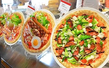 Оформление витрины пиццерии