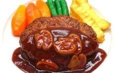 Муляж котлеты в грибном соусе с овощами