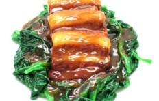 Муляж блюда «Говядина со шпинатом»