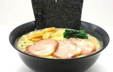 Муляж блюда «Суп Рамен с тремя пластинами свинины»