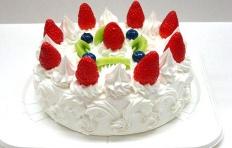 Муляж торта с киви, клубникой и черникой