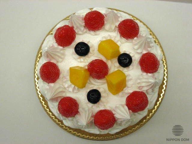 Муляж торта с клубникой