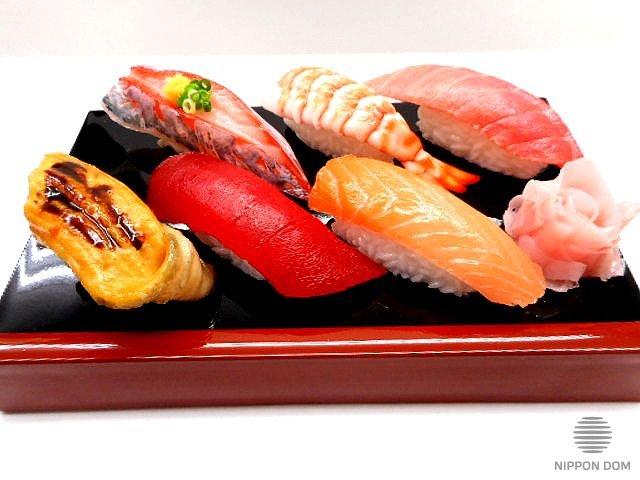 A replica of sushi set (6 pieces)