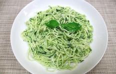 Муляж спагетти с базиликом