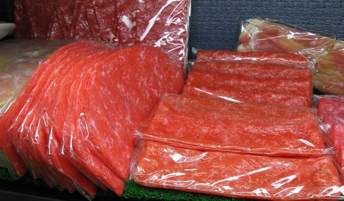 Пластины тонко нарезанной говядины