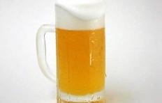Муляж запотевшей кружки пива с пышной пеной (435 мл)