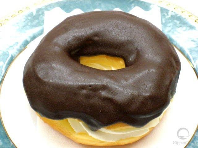 муляж пончика Шоколадное кольцо с кремом