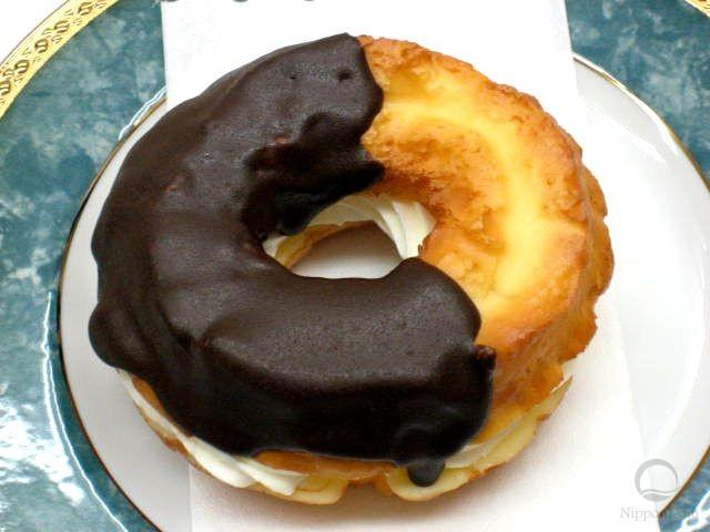 муляж пончика Шоколадная мода с кремом