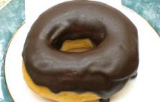 Муляж пончика «Шоколадное кольцо»-L