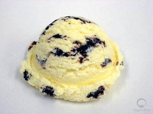 Ванильное мороженое с кусочками шоколада-1