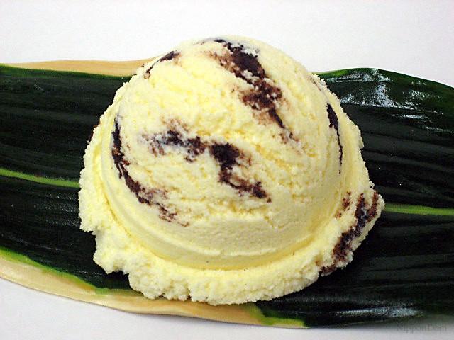 Ванильное мороженое с кусочками шоколада-2