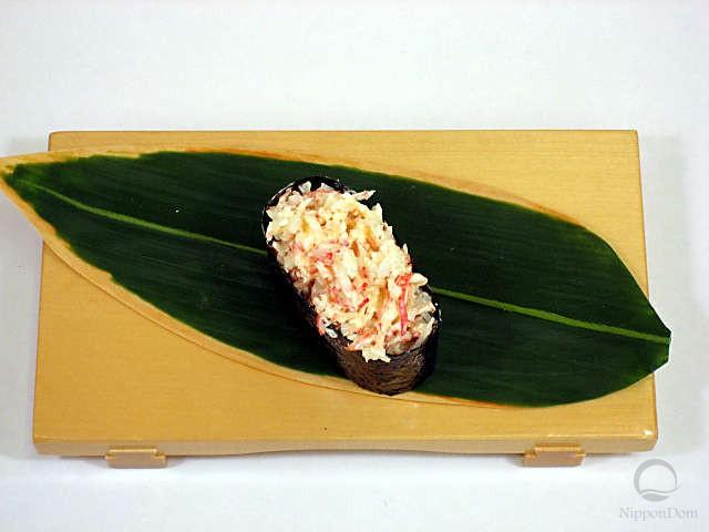 Муляж ролла с салатом из крабов
