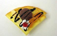 Муляж блинчика с шоколадным мороженым-3