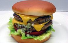 Муляж двойного чизбургера