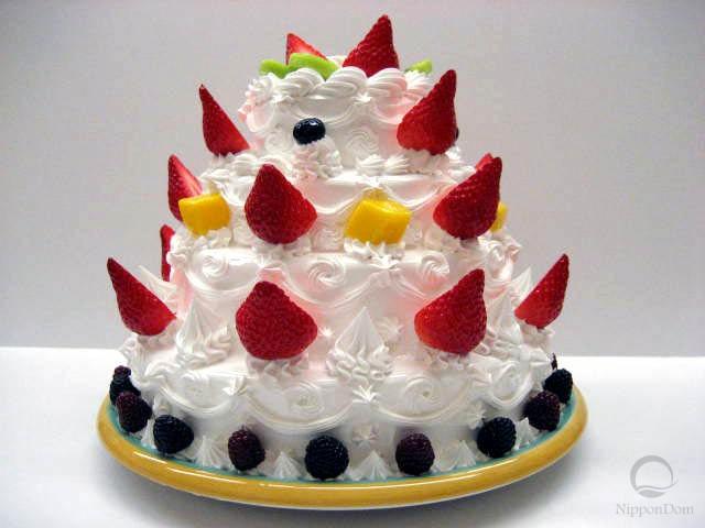 Муляж четырёхъярусного торта с фруктами