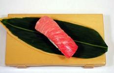 Муляж суши «тунец жирный»-2