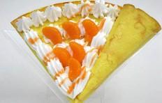 Муляж блина с мандарином и взбитыми сливками