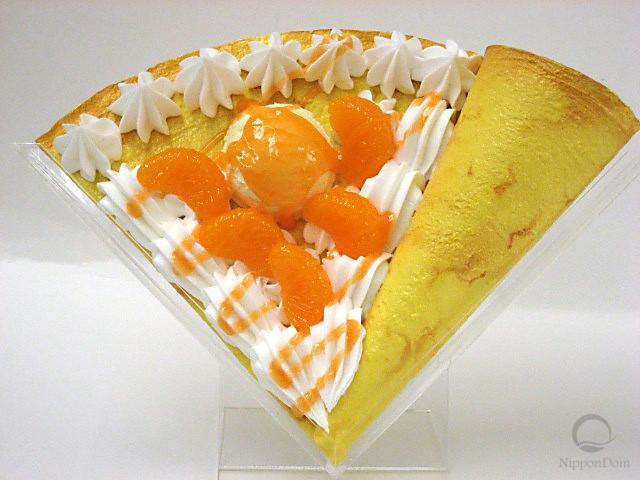 Муляж блина с мандарином и мороженым
