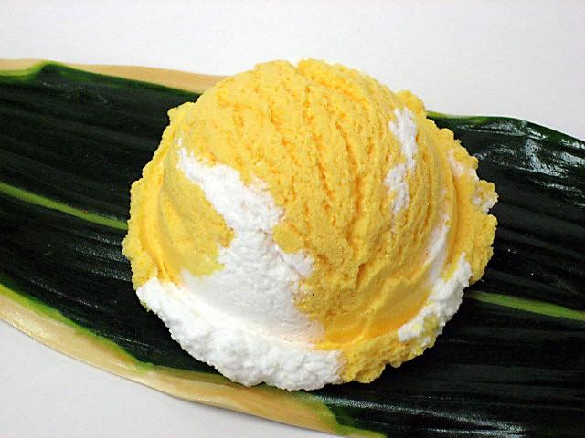 Мороженое со вкусом манго
