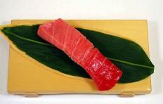Муляж суши «тунец полужирный»-10