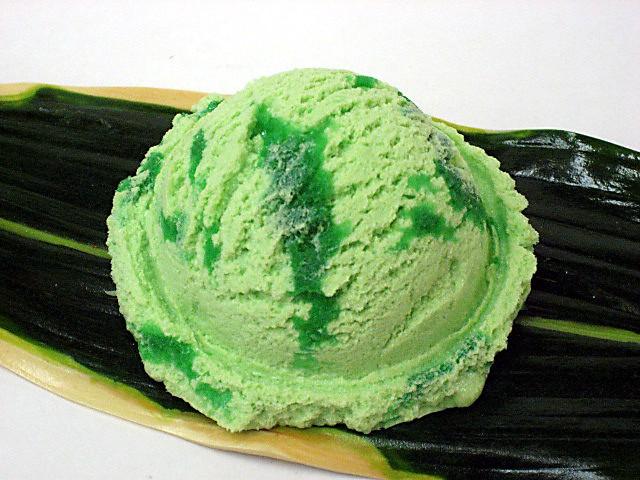Мороженое со вкусом дыни