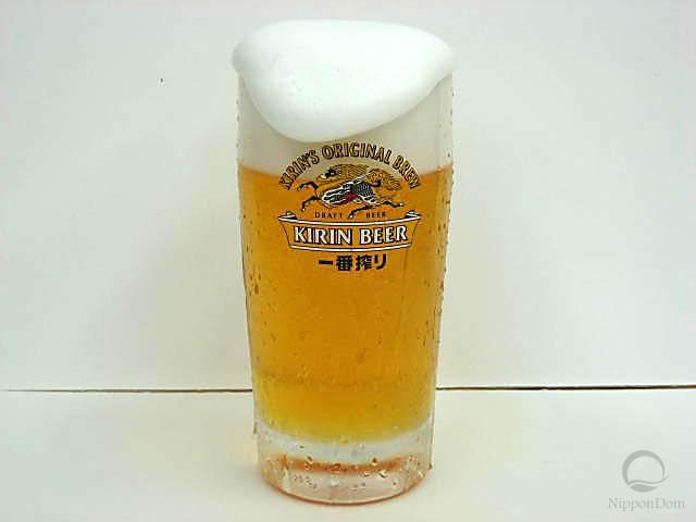 """Муляж запотевшей кружки пива """"Kirin"""" с пышной пеной (435 мл)"""