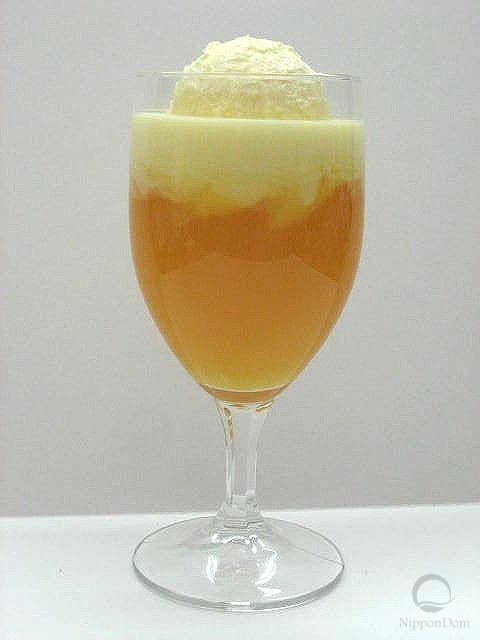 Муляж апельсинового напитка с мороженым