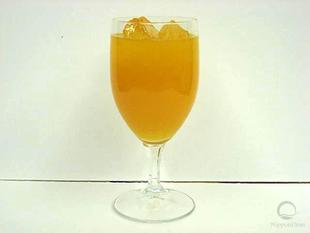 Муляж апельсинового сока в бокале
