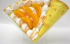 Муляж блина с персиком и сливками-2