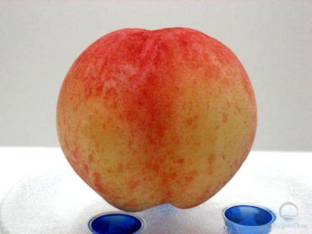 Муляж персика