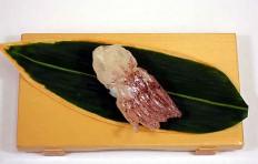 Муляж суши «сырой кальмар (1)»