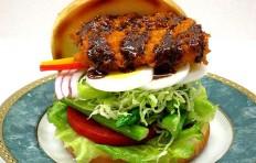 Муляж бургера с салатом