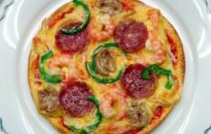 Муляж пиццы с салями и креветками (15.5 см)
