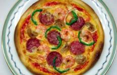 Муляж пиццы с салями и креветками (20 см)-2