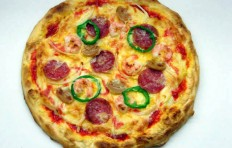 Муляж пиццы с салями и креветками (25 см)