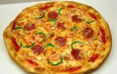 Муляж пиццы с салями и креветками (31 см)