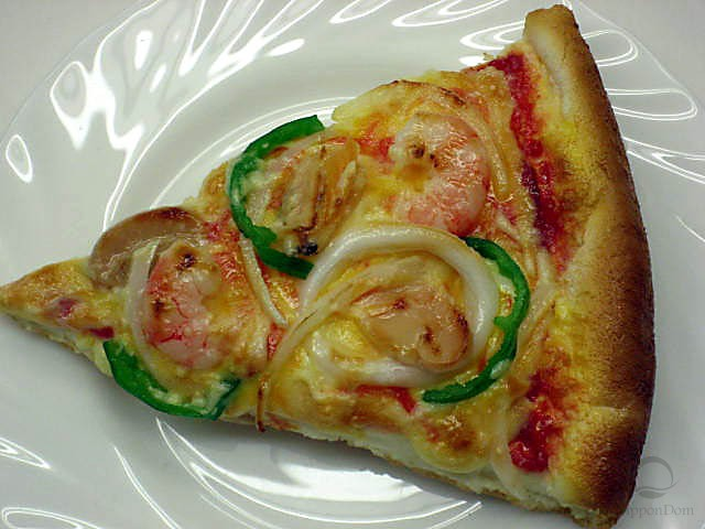 Муляж конуса пиццы с морепродуктами