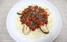 Муляж спагетти с баклажаном и мясным соусом
