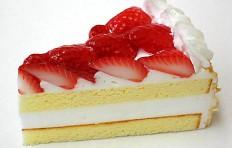 Муляж клубничного торта (110×60 мм)