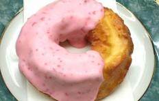 Муляж пончика «Клубничная мода»