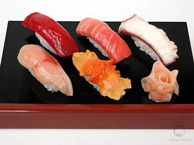 Муляж набора суши(5 шт + имбирь)