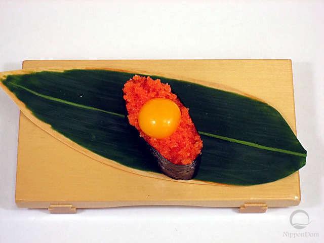 Тобико с желтком перепелиного яйца-1