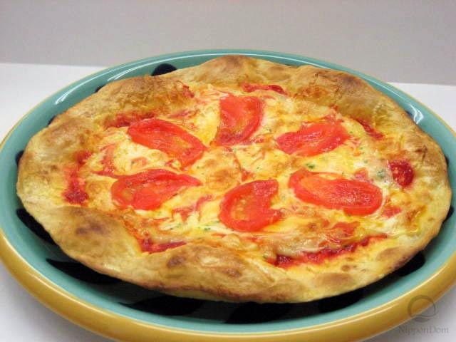 Муляж пиццы с помидорами