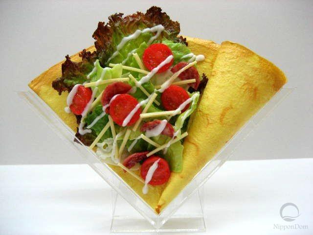 Салат с салями и томатами черри