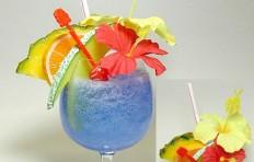 Макет тропического голубого коктейля