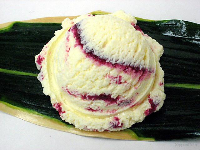 Ванильное мороженое с черничным джемом (16)