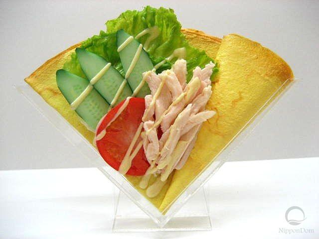 Салат из курицы и овощей